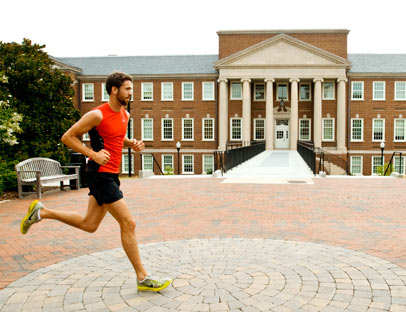Daniel Dykes '09 runs across campus