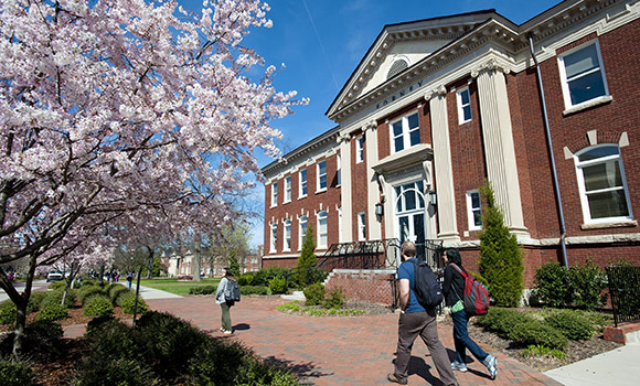UNCG recognized as national leader in supporting Pell Grant recipients