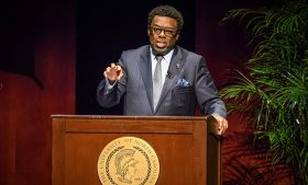Photo of Chancellor Gilliam speaking during State of the Campus Address