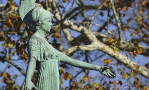 Photo of Minerva statue on campus