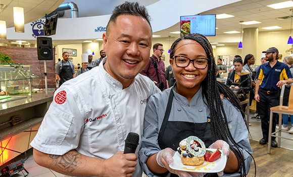 Photo of Chef Jet Tila with student