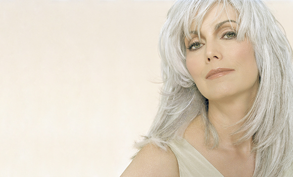 Alumna Emmylou Harris to perform on campus
