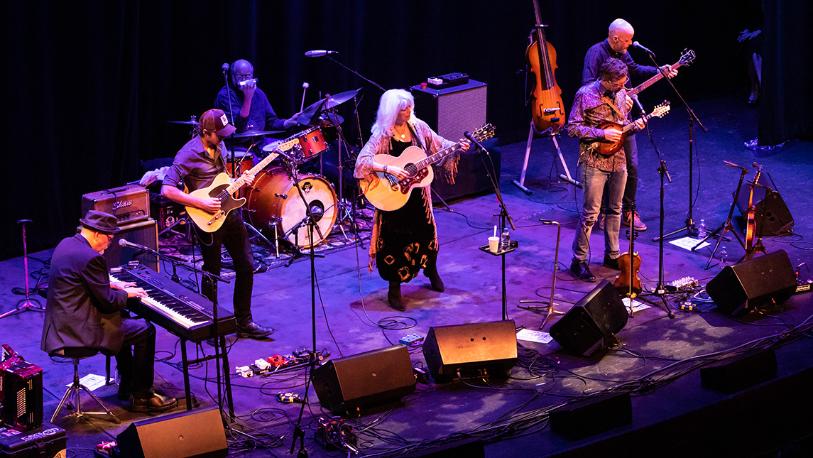 Photo of Emmylou Harris and band on stage
